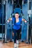 TRX fitness, sporten, oefening, technologie en Royalty-vrije Stock Afbeelding