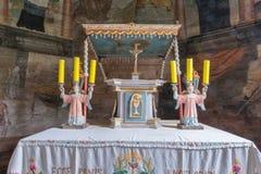Trybsz, POLÔNIA - 11 de agosto de 2016; Interior da igreja de madeira gótico velha do St Elizabeth's em Trybsz foto de stock royalty free