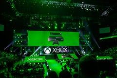 Tryck på sammankomsten på att sammanfatta för Xbox massmedia Arkivbilder