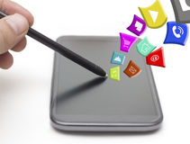 Trycka på pekskärmen med Apps Royaltyfri Fotografi