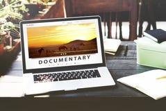 Tryckning för underhållninginternet för multimedia av ljudsignalt begrepp Royaltyfri Bild