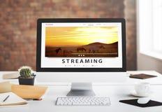 Tryckning för underhållninginternet för multimedia av ljudsignalt begrepp Arkivbild