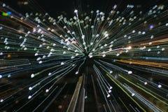 Tryckvågzoomeffekt, ljusa linjer med lång exponering Fotografering för Bildbyråer