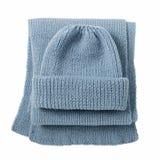Trykotowy szalik i nakrętka błękitny kolor na odosobnionym białym tle Zdjęcie Royalty Free