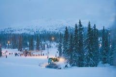 Trysil natt en skidåkningsemesterort Fotografering för Bildbyråer