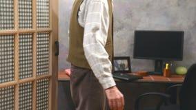 Trząść ręki z krzyżującymi palcami Zdjęcia Royalty Free