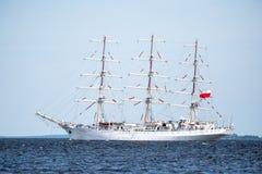 Trzebiez,波兰- 2017年8月08日-帆船Dar Mlodziezy航行到充分的海在高船种族以后决赛2017年在Stet 免版税库存图片