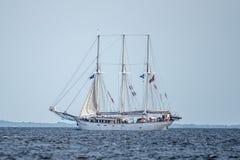Trzebiez,波兰- 2017年8月08日-帆船Kapitan Borchardt航行到充分的海在高船种族以后决赛2017年寸 库存图片