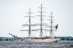 Trzebiez,波兰- 2017年8月08日-帆船Shabab阿曼II航行到充分的海在高船种族以后决赛在Ste的2017年 免版税库存图片