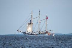 Trzebiez,波兰- 2017年8月08日-帆船Zawisza Czarny航行到充分的海在高船种族以后决赛在Ste的2017年 免版税库存图片