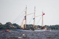 Trzebiez,波兰- 2017年8月08日-帆船Zawisza Czarny航行到充分的海在高船种族以后决赛在Ste的2017年 图库摄影