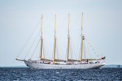 Trzebiez Polen - Augusti 08, 2017 - seglingskeppet Santa Maria Manuela seglar fullständigt havet, efter finalen av högväxta skepp Royaltyfri Foto