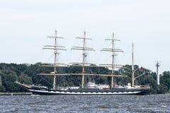 Trzebiez, Polen - Augustus 08, 2017 - de Varende zeilen van schipkruzenstern aan het volledige overzees na def. van Lange Schepen Royalty-vrije Stock Foto's