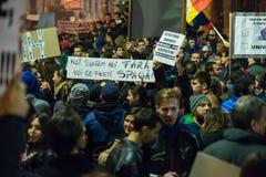 Trzeci dzień protest przeciw coruption i Rumuńskiemu rzędowi Zdjęcia Stock