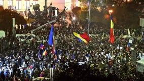 Trzeci dzień protest W uniwersyteta kwadracie Przeciw korupci I Rumuńskiemu rzędowi zbiory
