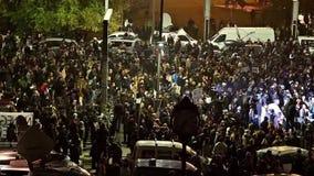 Trzeci dzień protest W uniwersyteta kwadracie Przeciw korupci I Rumuńskiemu rzędowi zbiory wideo