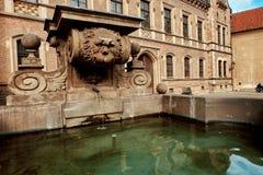 Trzeci grodowy podwórze Praga kasztel w lecie w Praga, republika czech obrazy stock