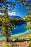 Trzeci jezioro, dolina 5 jezior, Jaspisowy park narodowy, Alberta Zdjęcia Royalty Free