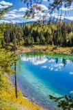 Trzeci jezioro, dolina 5 jezior, Jaspisowy park narodowy, Alberta Fotografia Stock