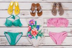 Trzepnięcie klapy i bikini set Fotografia Stock