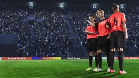 Trzy żeńskiego gracza piłki nożnej robi ścianie przed kara strzałem Zdjęcia Royalty Free