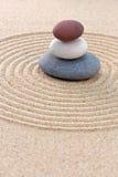 Trzy coloured wokoło otoczaka zen ogródu Zdjęcie Stock