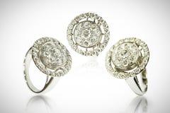 Trzy diamentowego pierścionku odizolowywającego na bielu Obraz Stock