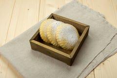 Trzy domowej roboty dojnego ciastka z sproszkowanym cukierem Obraz Royalty Free
