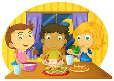 Trzy dzieciaka ma posiłek na stole ilustracja wektor