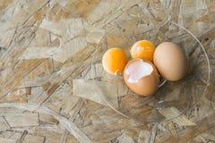 Trzy jajka na naczyniu zdjęcie royalty free