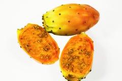 Trzy kaktusów owoc odizolowywająca na białym tle obrazy stock