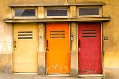 Trzy Kolorowego drzwi Zdjęcie Stock