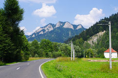 Trzy Korona szczyty w Pieniny górach Fotografia Stock