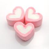Trzy Marshmallow serca w bielu Obrazy Royalty Free