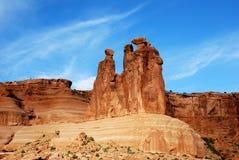 Trzy Plotkują, skały rzeźba w łuku parku narodowym obraz royalty free