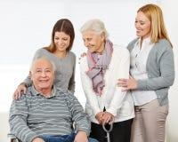 Trzy pokolenia z szczęśliwym seniorem obraz stock