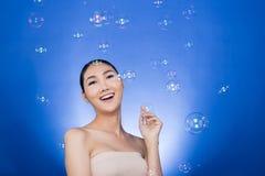 Trzy skóry kobiety bąbla Azjatycka Młoda ładna dziewczyna obrazy stock