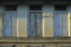 Trzy Stary Drewniany drzwi obrazy stock