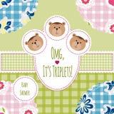 Trzy szczęśliwego trójwiersza Dziecka przyjazdowa zawiadomienia karta Trójwiersz chłopiec i dziewczynki brać prysznić kartę, ślic Zdjęcia Royalty Free