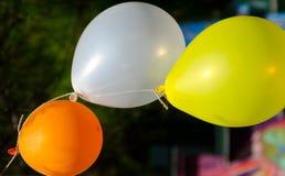 Trzy wiązali kolorowego balon Obraz Royalty Free