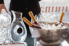 Trzy wino butelek chłód w lodowym wiadrze zdjęcia royalty free