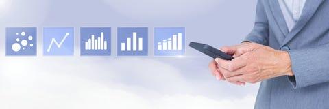 Trzymać telefonu i biznesowej mapy statystyki ikony Zdjęcie Stock