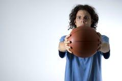 trzymaj ludzi horyzontalnej koszykówki Obraz Stock