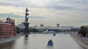 Tsaar Peter het grote monument stock videobeelden
