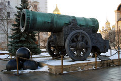 Tsaarkanon (Koning Cannon) in Moskou het Kremlin in de winter Royalty-vrije Stock Fotografie