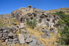 Tsahats -tsahats-kar, Armenië, 09 September, 2014 Ruïnes van gebouwen en khachkars 5-7 eeuwen in een oud klooster Tsahats -tsahat Royalty-vrije Stock Foto