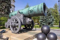 Tsar-Kanon i sommar kremlin moscow Arkivbild