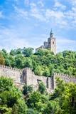Tsarevets堡垒和家长式教会在大特尔诺沃,保加利亚 免版税库存照片