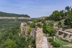 Tsarevets fästningväggar i Veliko Tarnovo, Bulgarien, Europa Arkivfoto