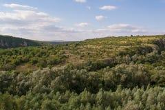 Tsarevets forteczny kompleks - widok góry otacza je zdjęcie royalty free